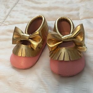 Baby girl pink gold moccasins
